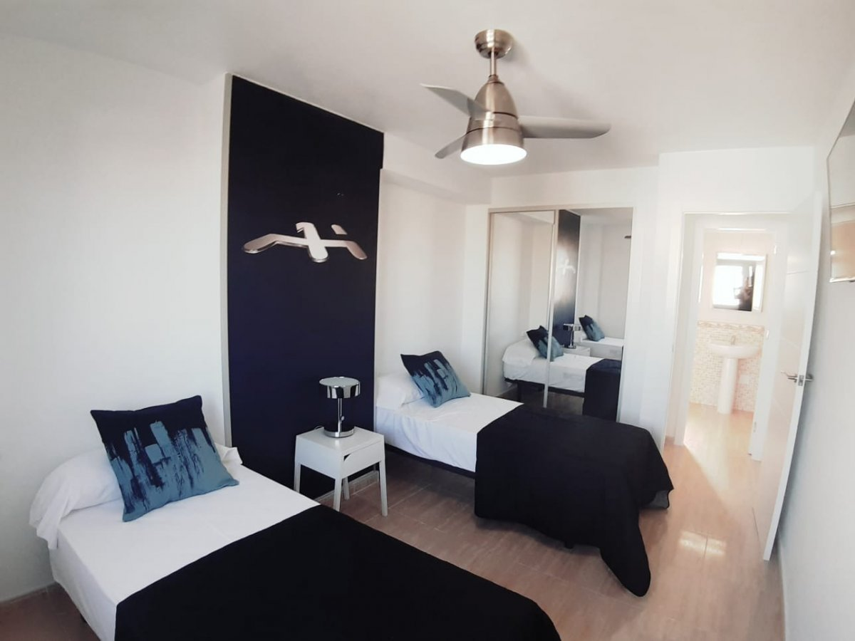 Fantastic Penthouse with Private Solarium of 40 m² brand new 1 room. Torrevieja Centro – Fully Furni