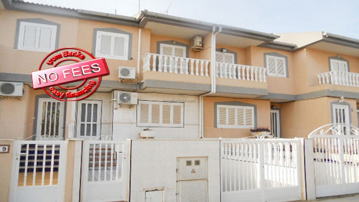 Property located in the centre of the town, ideal to enjoy family life
