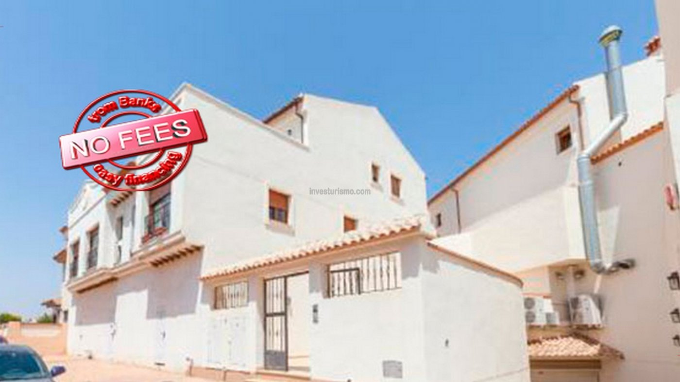 Duplex flat with storage room and terrace for sale in San Pedro del Pinatar