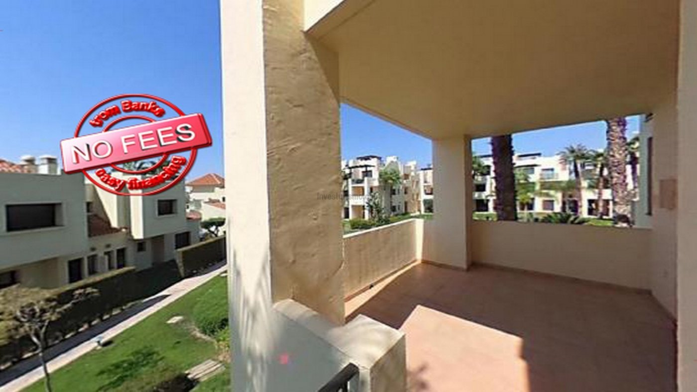 Brand new flat with 2 bedrooms, 2 bathrooms, lounge and fitted kitchen, with storage room