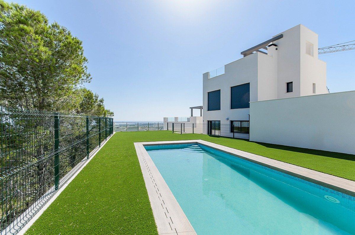 New Complex of Bungalows with Community Pool in San Miguel de Salinas