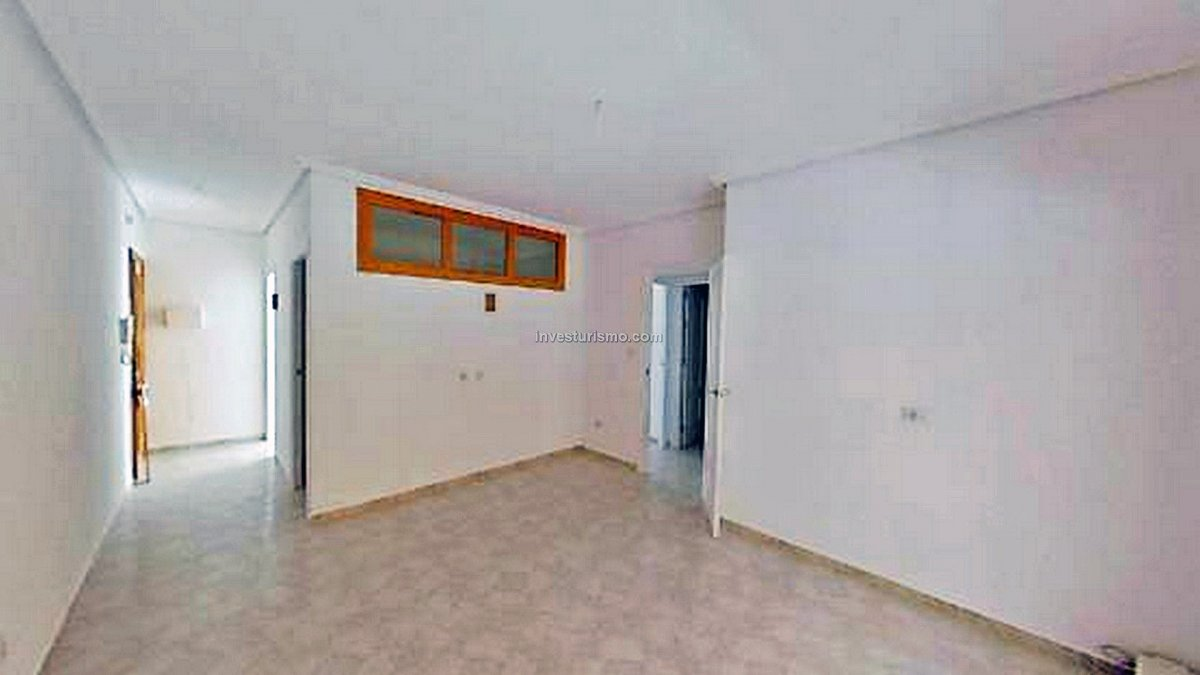 Apartment just 300 mt. from the beach in Los Alcazares
