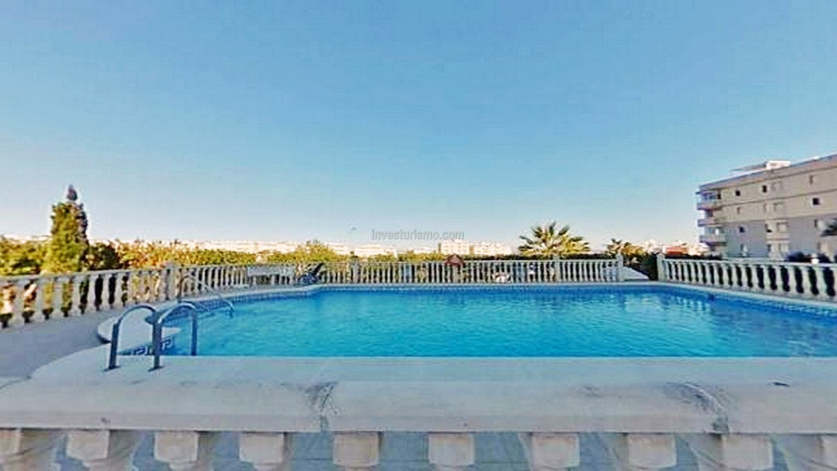 Studio with large terrace in Torrevieja