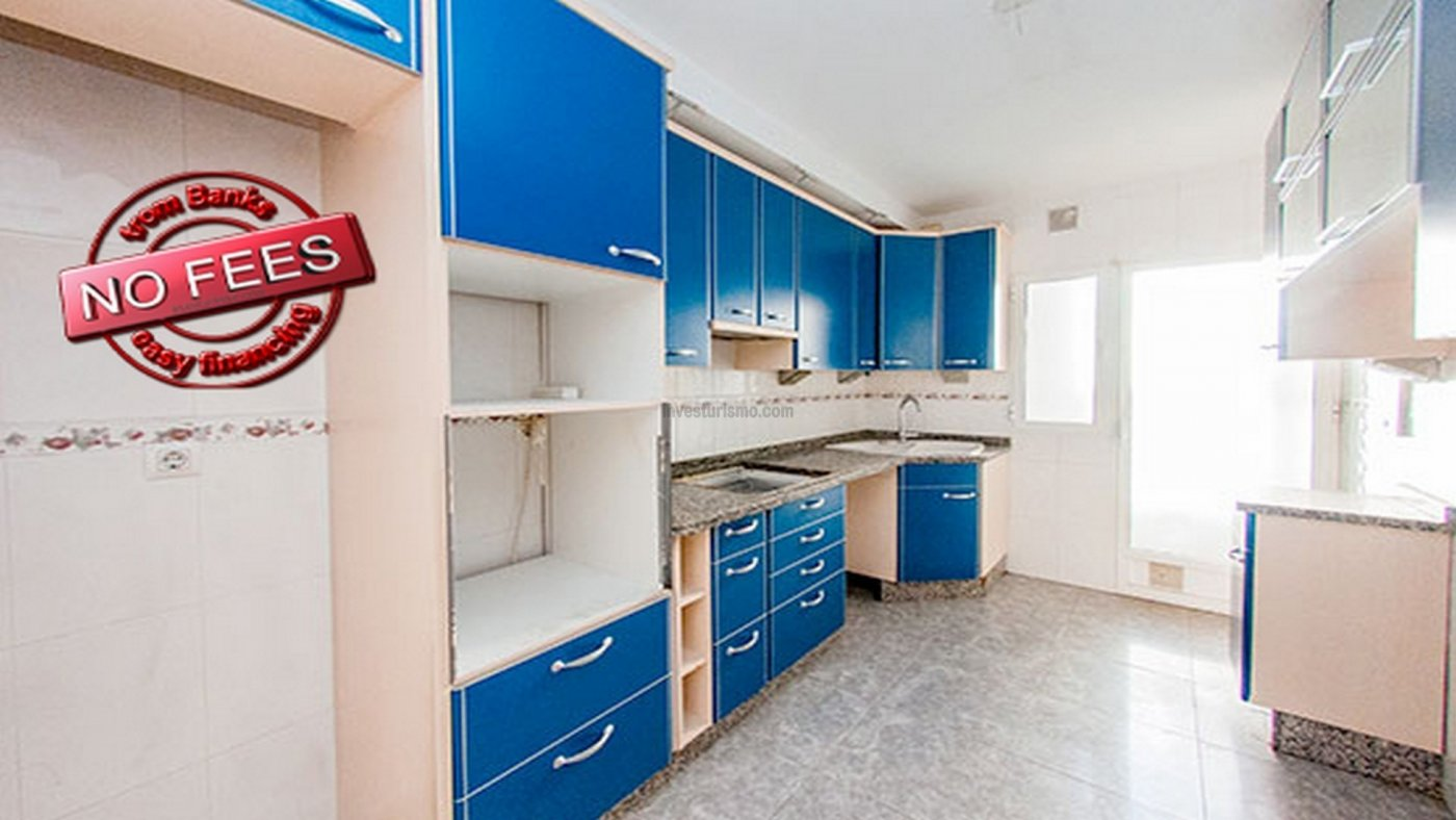 Spacious and bright flat located in a family neighbourhood