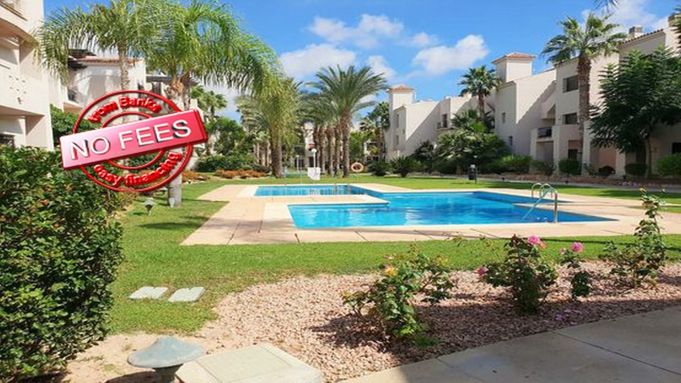 Villa for sale in gated community with swimming pool in San Javier, Murcia