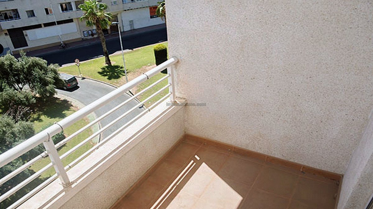 Apartment with community pool and gardens in Torrevieja