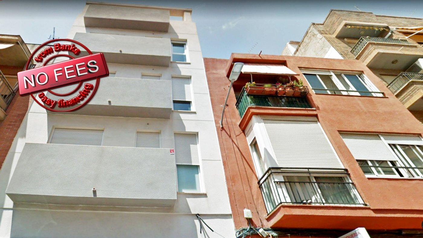 For sale flat with terrace and 5 minutes from the centre of Alicante