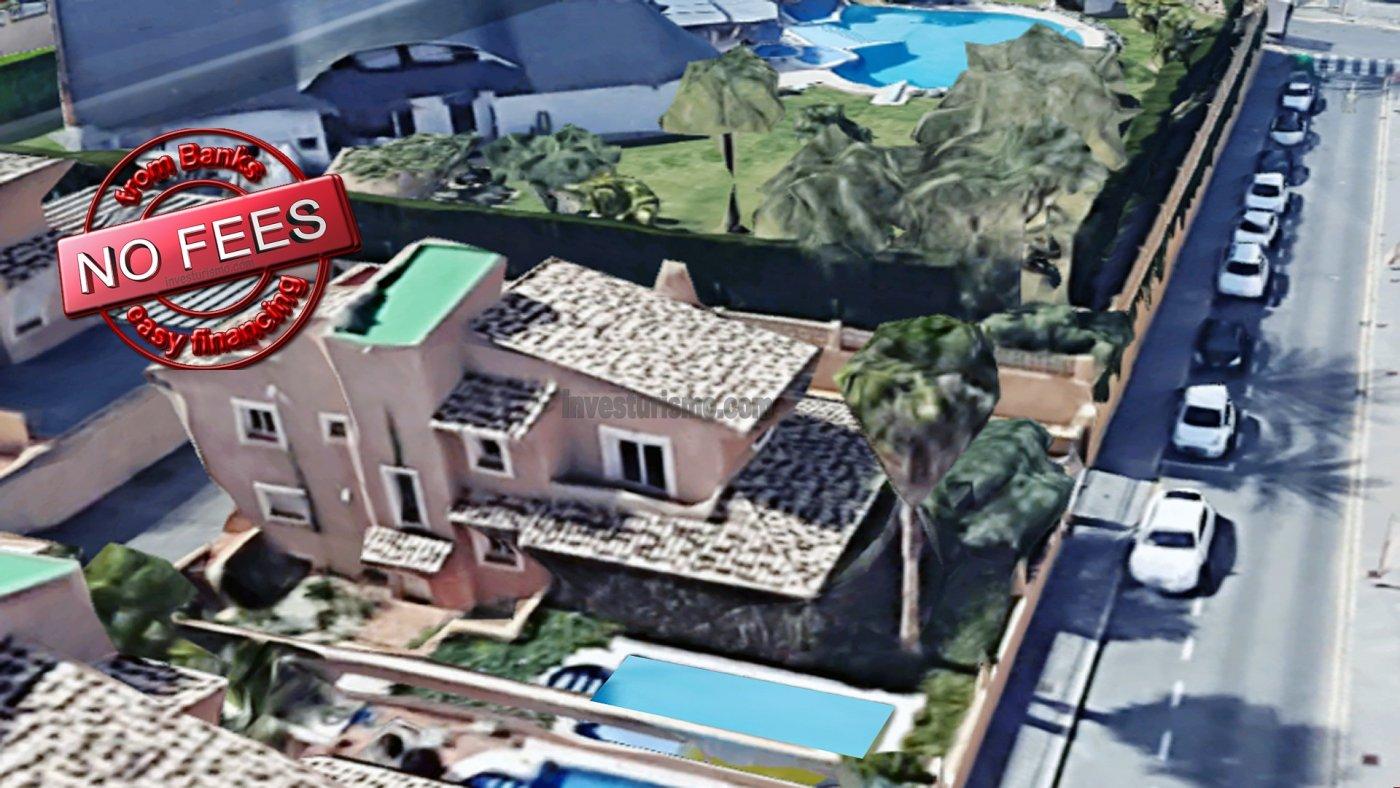 Villa with private pool in Benidorm