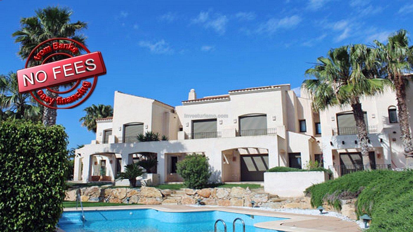 Townhouse located in GOLF Resort in San Javier.