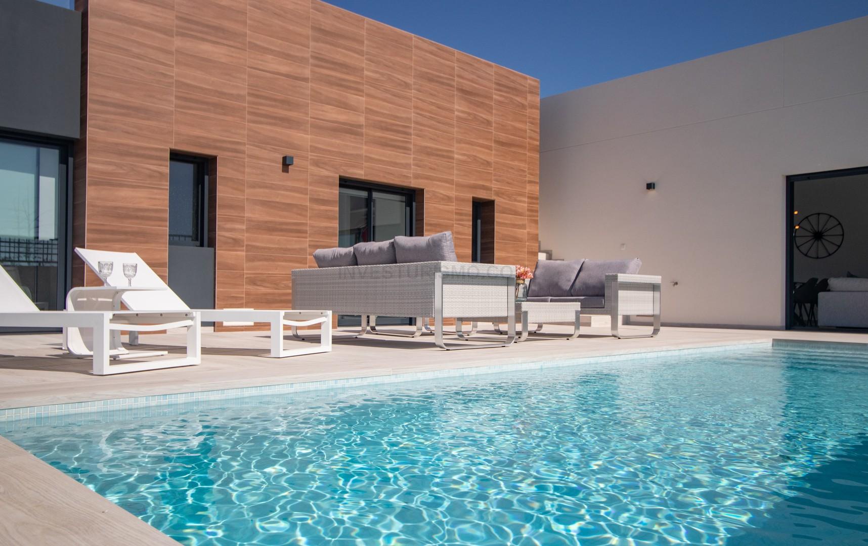 New build Villas 3 bedrooms and 2 bathrooms in Algorfa