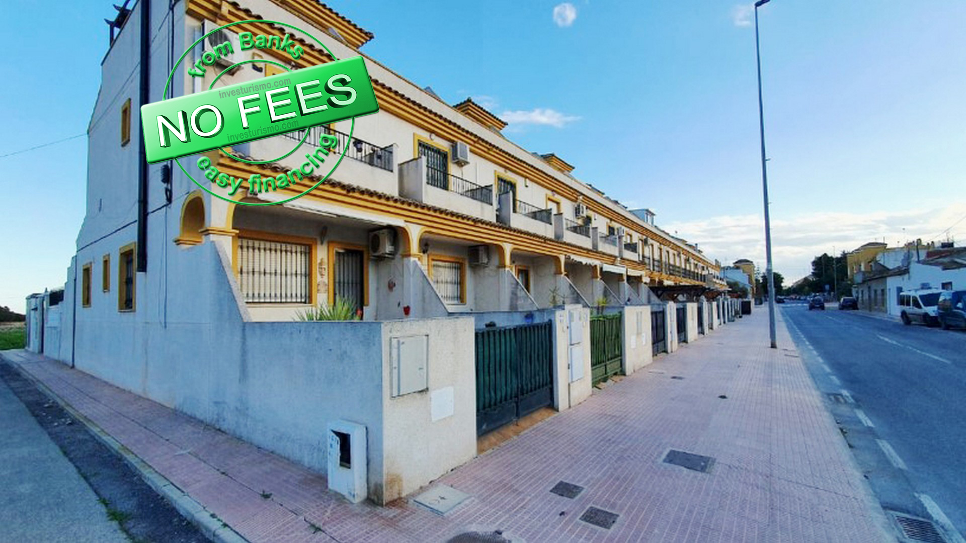 Townhouse 4 bedrooms 1 bathroom in Daya nueva