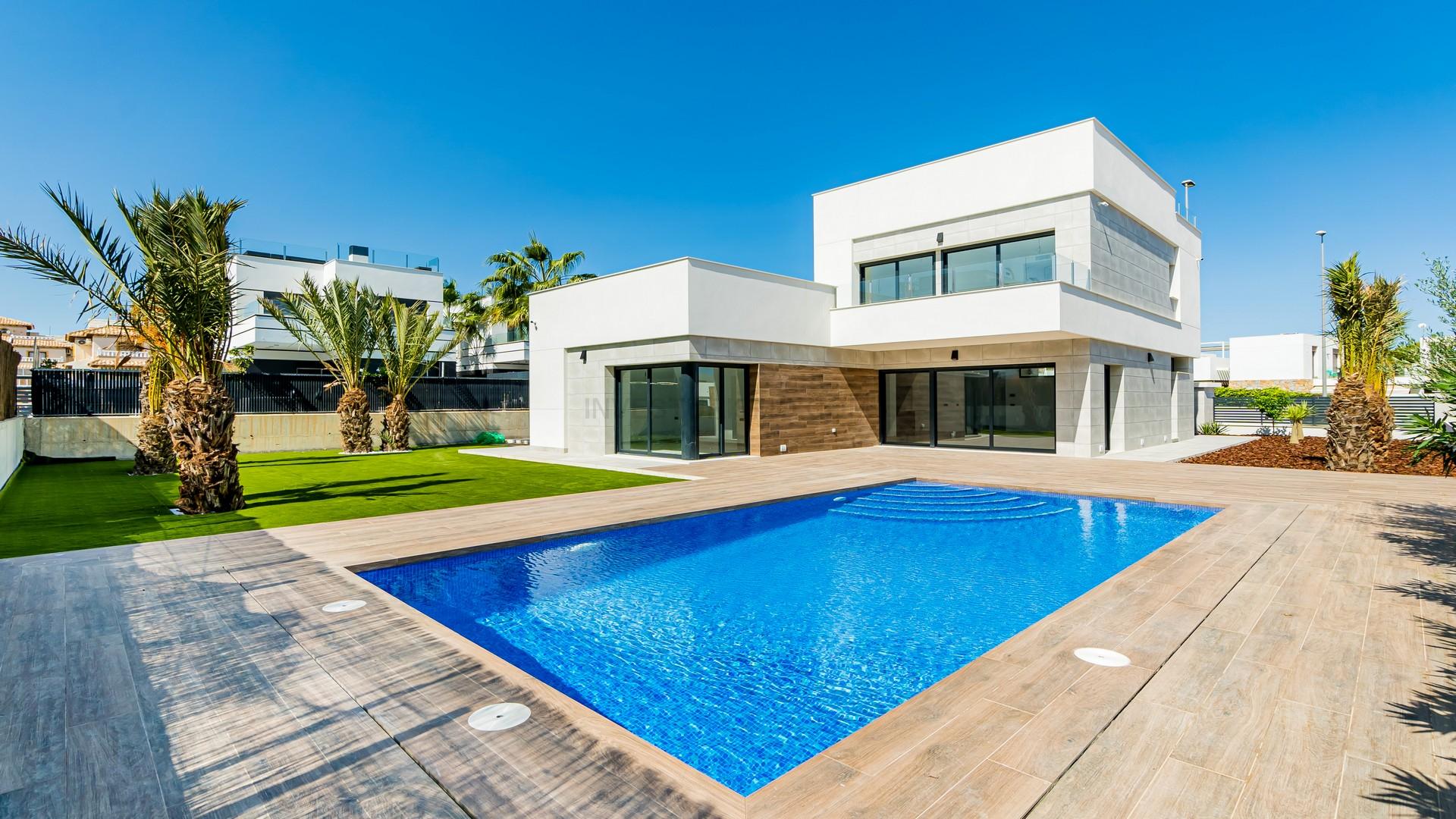 New build villas 5 bedrooms in Orihuela costa